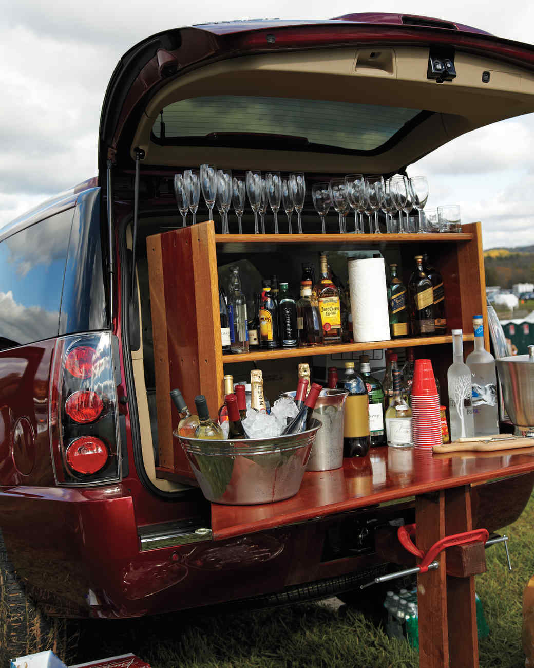 10 Tips for the Perfect Tailgate