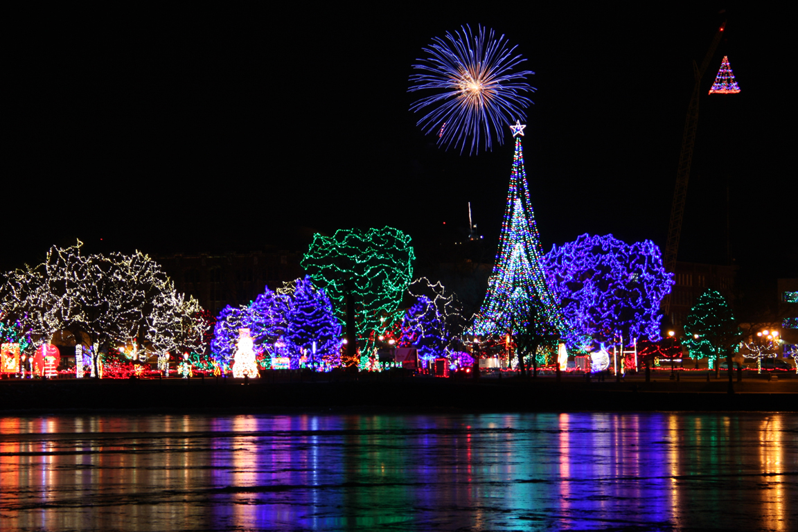 these 7 wisconsin cities are home to dazzling holiday light shows