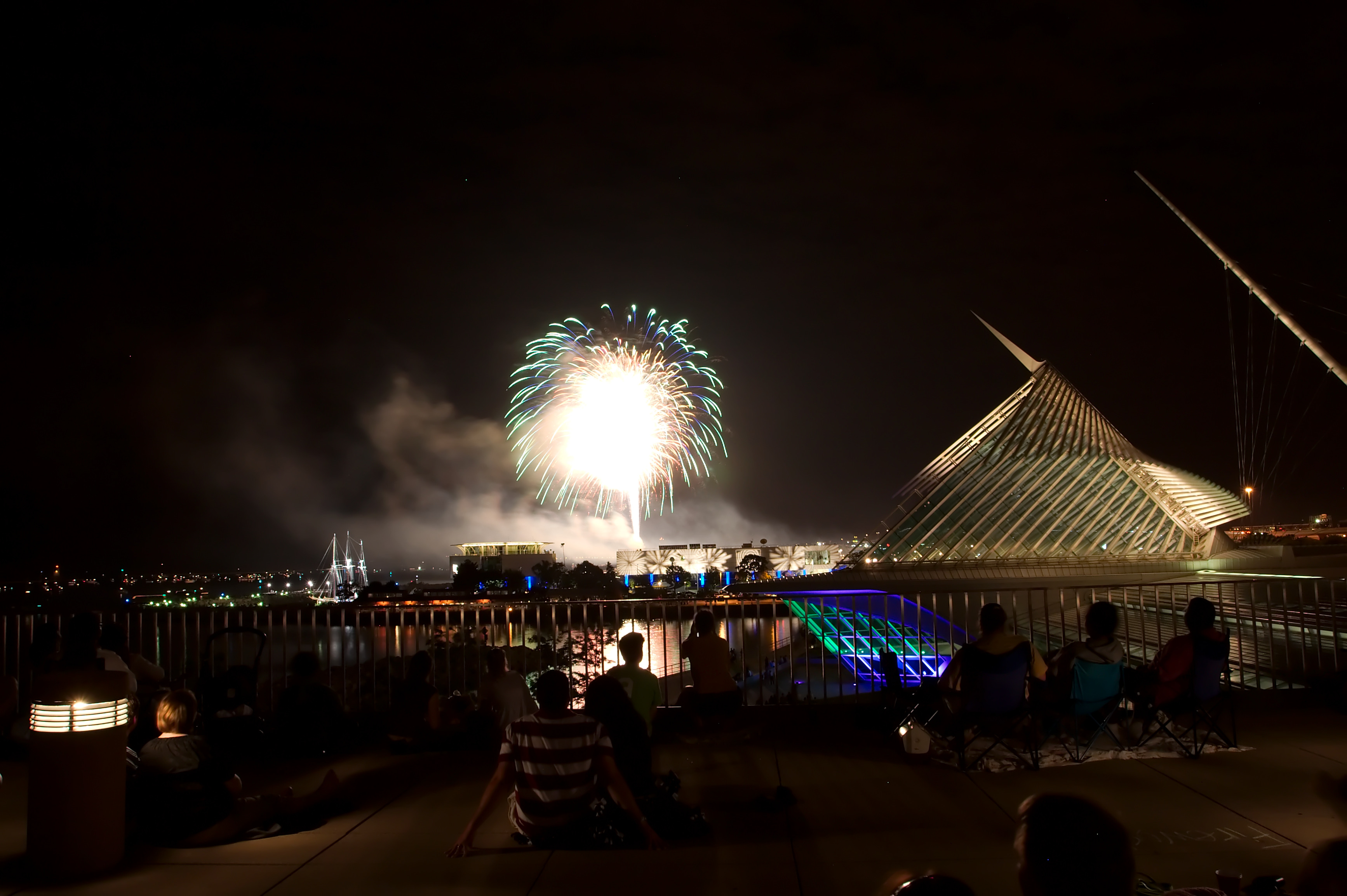 4th of july roundup 10 celebrations in wisconsin the for Craft fairs milwaukee wi