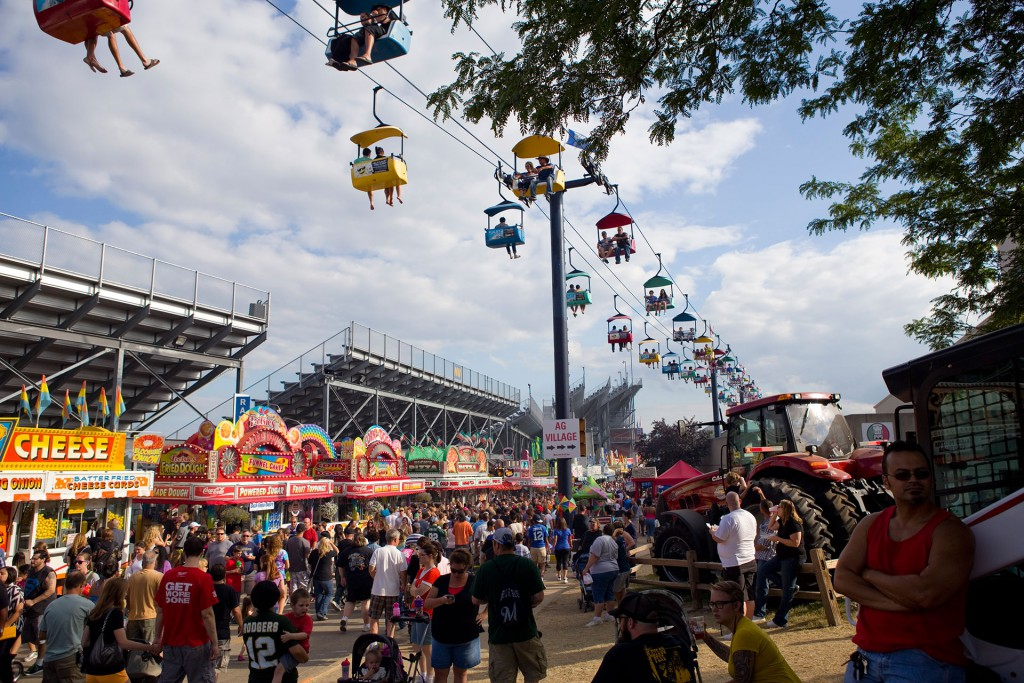 10 things to do in milwaukee the bobber for Craft fairs milwaukee wi