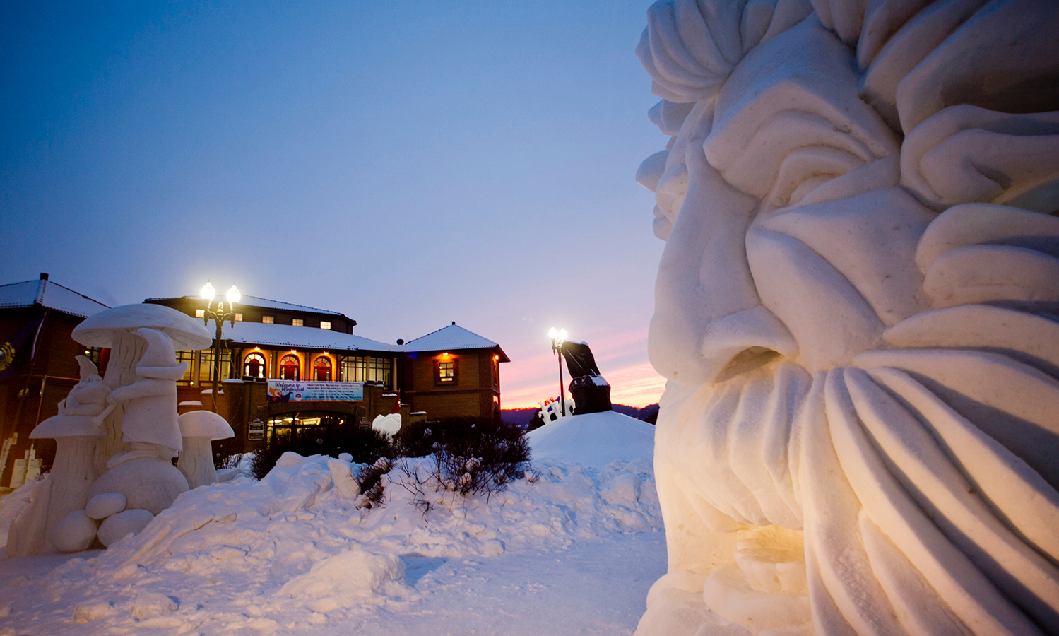 Whether you're looking for the perfect destination for Super Bowl Sunday, a romantic getaway for your Valentine, or the ideal winter solution for cabin fever, Lake Geneva's upcoming Winterfest & U.S. National Snow Sculpting Competition – taking place Feb. 1-13 – will have you covered.